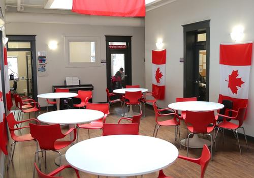 VGC Gastown Campus - Lounge Canadese