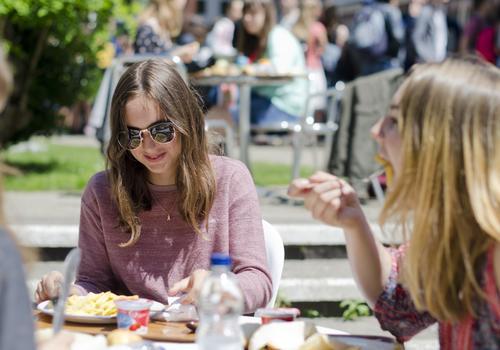 Studenti a pranzo