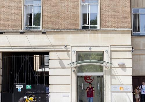 EC Bristol - La facciata