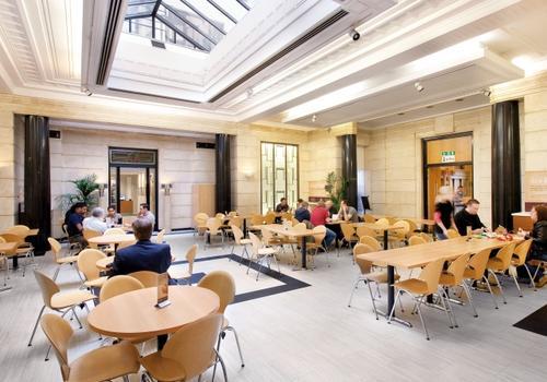 EC London - Il bar della scuola