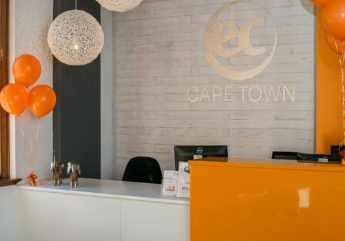 EC Cape Town - La Reception