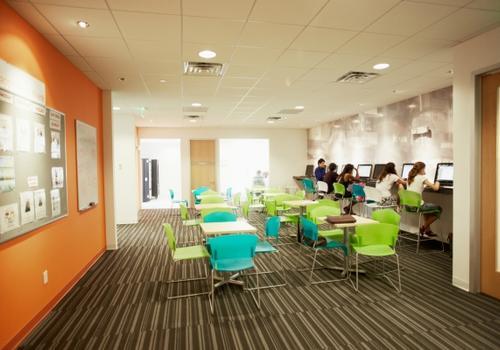 EC Miami - La Student Lounge