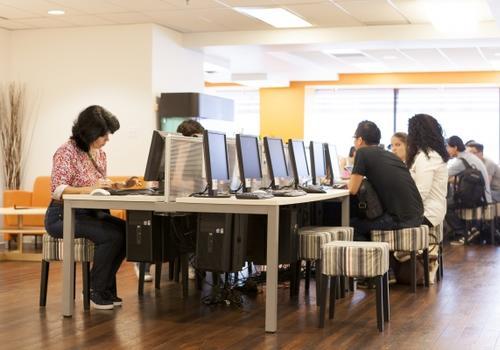 EC Vancouver - Aula computer