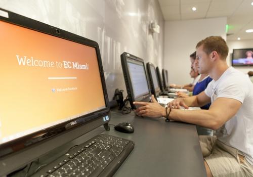 EC Miami -Aula computer