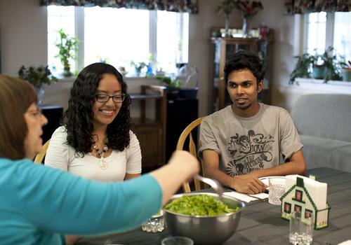 Cena presso una famiglia ospitante