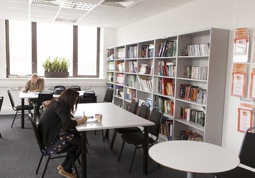 EC London - La biblioteca